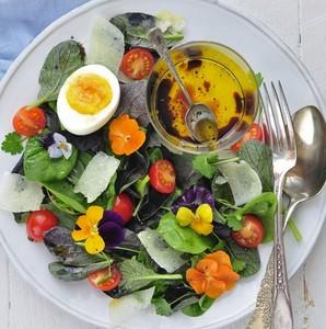 Edible Flower Salad - Garnishing